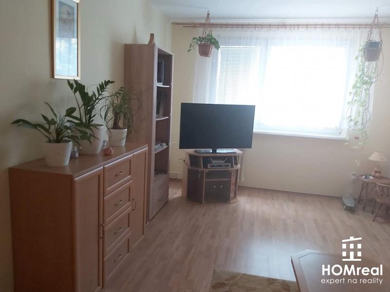 ***NA PRENÁJOM pekný 4 izb. byt vo Vrakuni s loggiou a parkovacím státím***