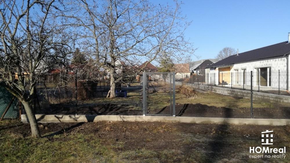 HOMreal Vám ponúka na predaj pozemok v centre obci Cífer!